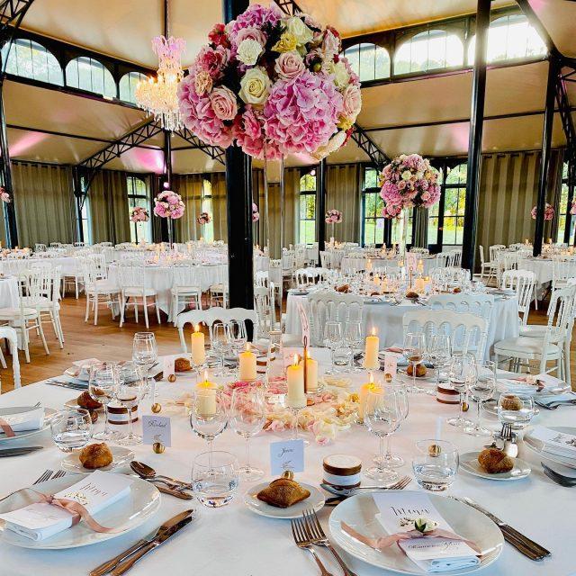 Le jour de votre mariage, chaque détail est important.. #centredetable #wedding #sallereceptionmariage #mrmtraiteur